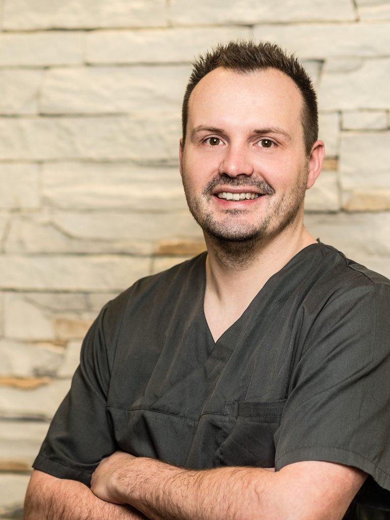 Dr. med. dent. Thomas Schmidt, Oralchirurgie Roth